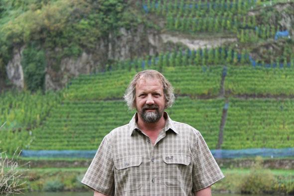 Clemens Busch Portrait vor der Marienburg