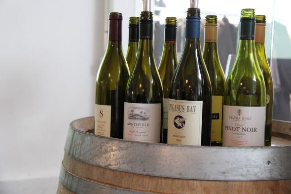 Einigen Flaschen neuseeländischen Pinot Noirs
