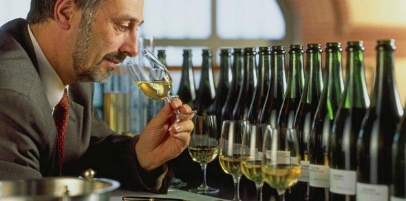 Die Auswahl der Grundweine ist so etwas wie angewandte Kunst, ©Alain Cornu, Collection CIVC