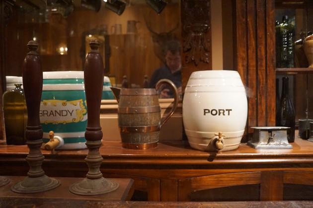Im Museum. Früher wurde Port und Brandy ausgeschenkt. Dann kam die Prohibition. Erst in den 1970ern wurde wieder mit dem Anbau von Reben begonnen, Copyright: C. Raffelt