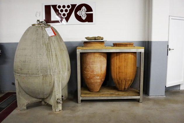 Unterschiedliche Amphoren und Beton-eier sorgen für andere Strukturen undTexturen im Wein. © Christoph Raffelt